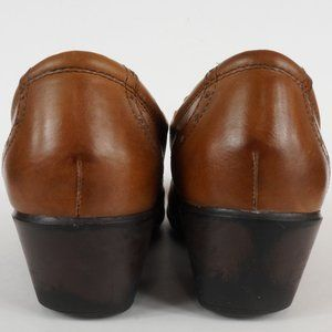 Earth Origins Shoes - 3/$20 Earth Origins Mule Carma 5 Brown Leather